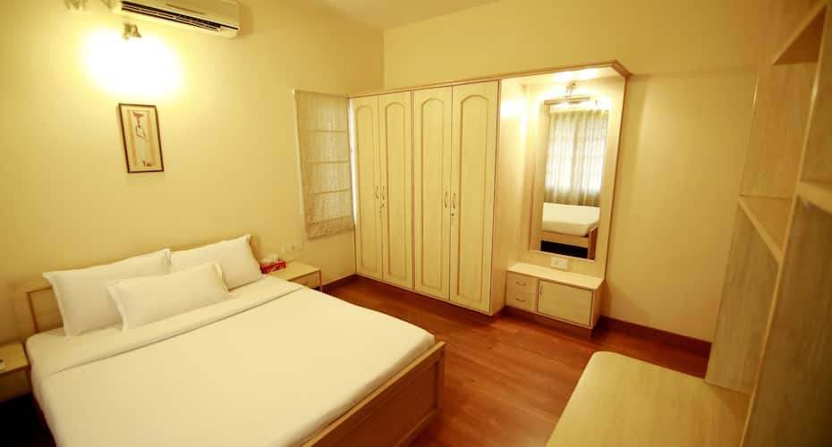 Falcon Suites Residency Road, Double Road,