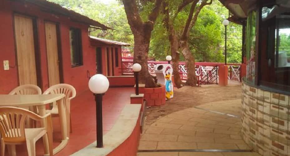 Hotel Arya, Mahabaleshwar Panchgani Road,