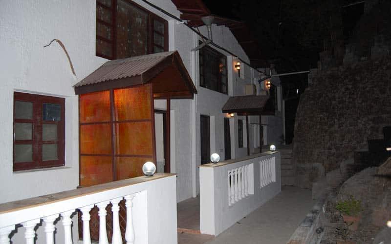 Manu Maharani Lodge, tallital,