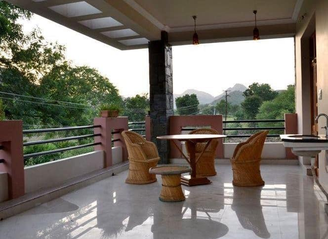 The Royale Country Retreat, Fateh Sagar Lake,