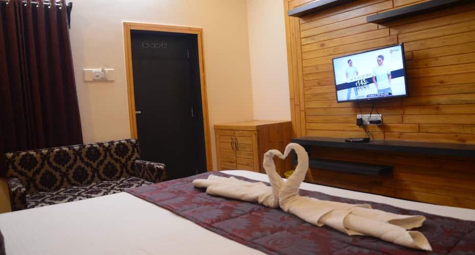 Hotel Prince, Hanuman Circle,