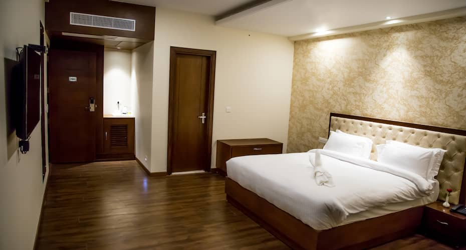 Hotel Awadh Palace A Unit Of Ranvir Hospitality Pvt Ltd, none,