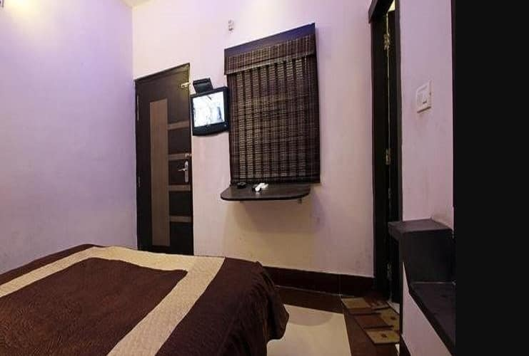 Hotel Hari Krishna Villa, Agra Cantontment,