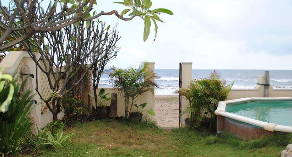 Ecr Beach House, none,
