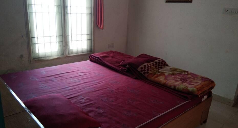 Thane Molizh Villa, Naidupuram,