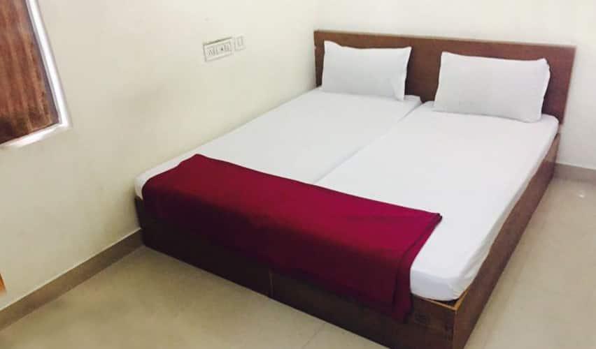 PBS Grand Residency, Kaloor,