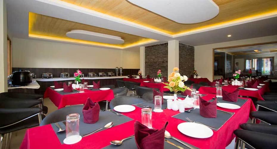 Hotel Manali Queen, Rohtang Road,