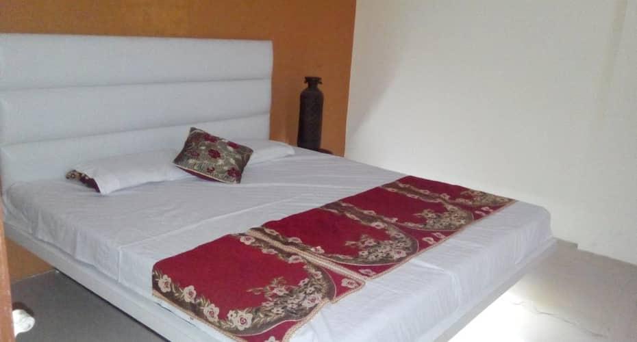 Hotel Manorath, Madhav Nagar,
