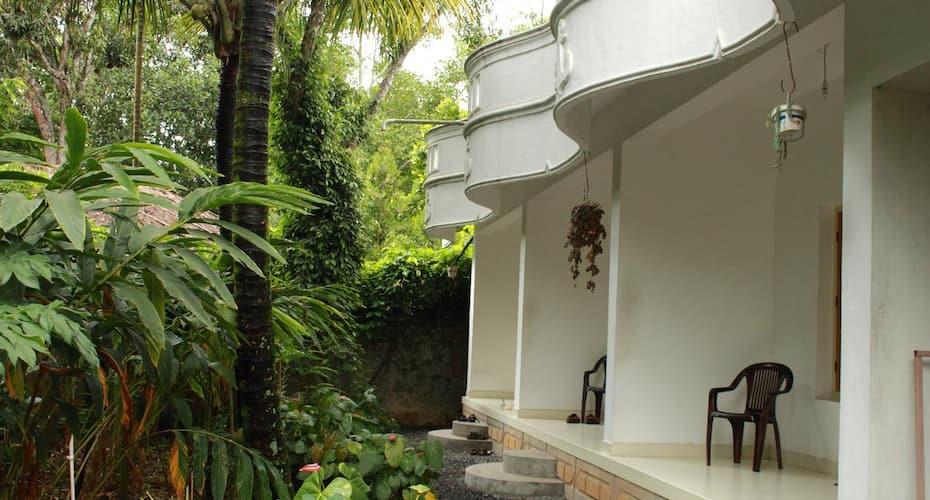 Bougainvilla Homestay, Thekkady,