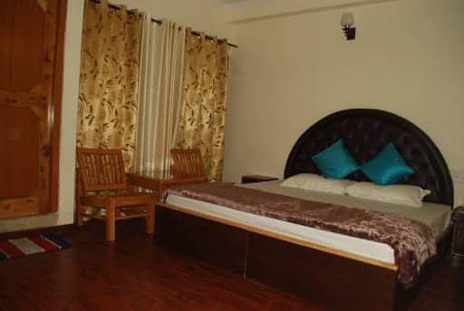 HOTEL DRIVE INN, Rohtang Road,