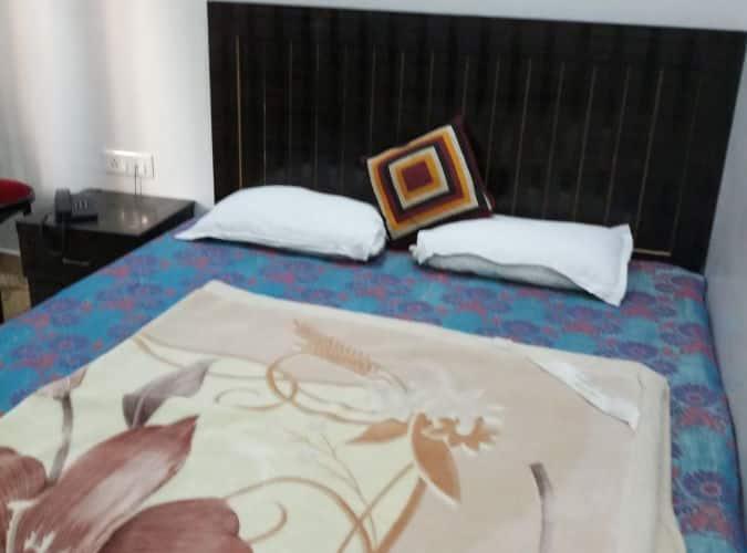 Godavari Lodge, none,