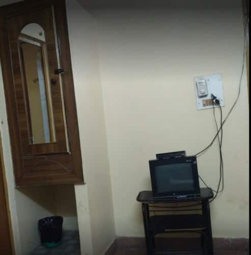 Hotel Dileep, Vivek Khand,