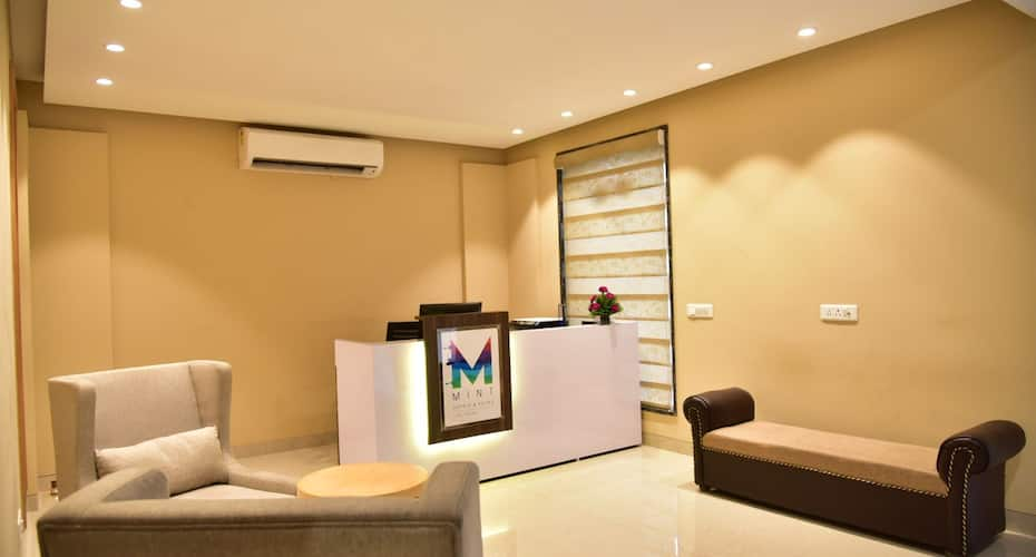 Mint Cyber Suites, DLF Phase 2,