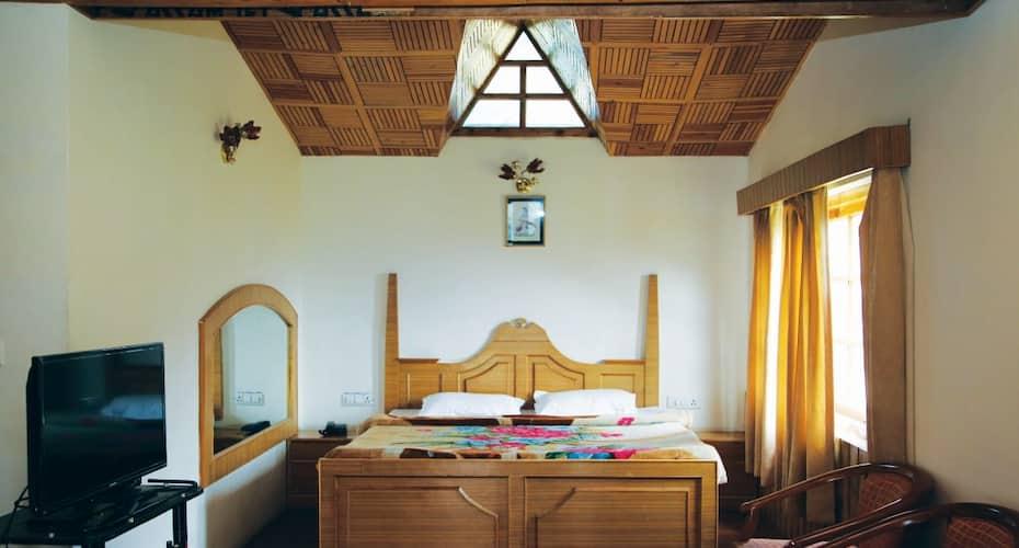 Hotel Scarlet Cottage, Shuru,