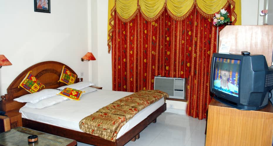 Hotel Sahil, Jammu Road,