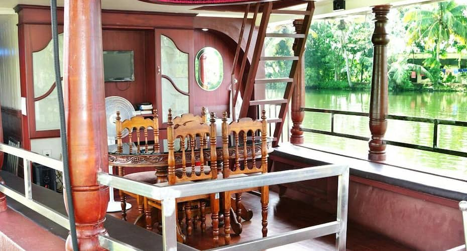 Relax In Kerala Houseboat, Pallathuruthy,