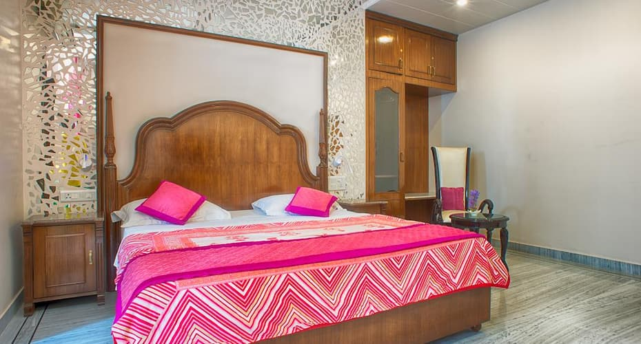 All seasons Home Stay, Ajmer Road,