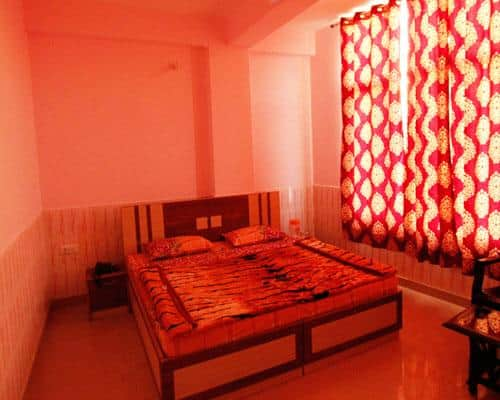 Hotel New Green View, Jammu Road,