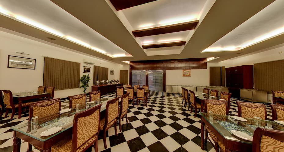 Hotel Shilton by Royal Collection Hotels, Mall Road,