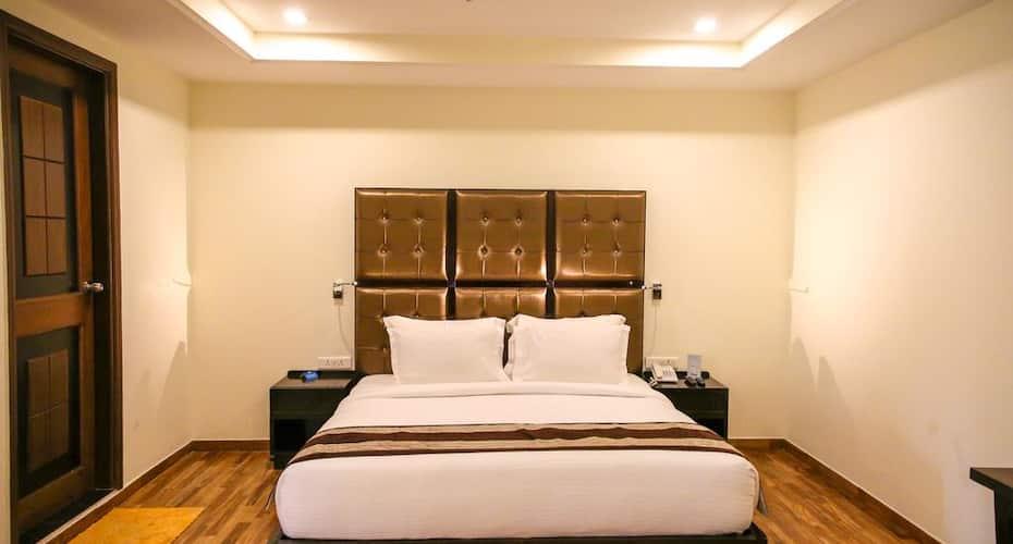 Hotel Boulevard,Dehradun