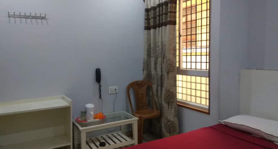 Hotel Shree Nanda, Ashoka Road,