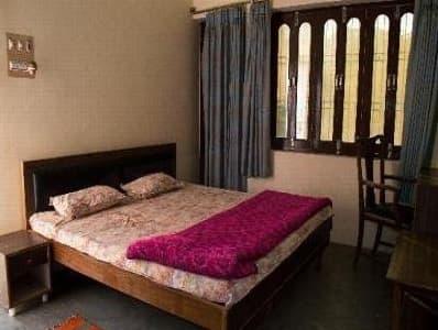 Bombay Guest House, Kamla Nagar,