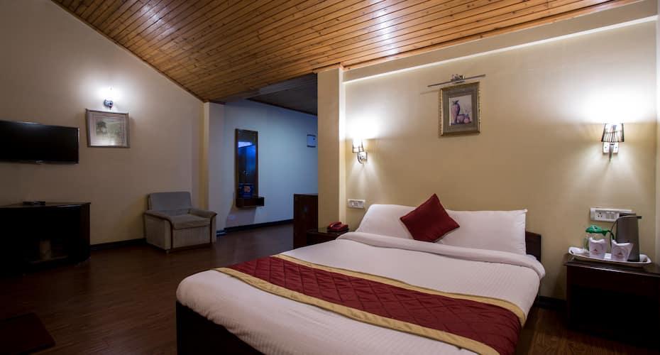 Krishna Residency, Chowrasta,