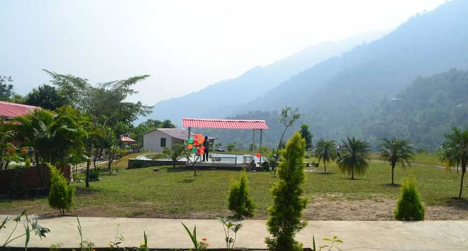 Balaut Resort, zoo road,