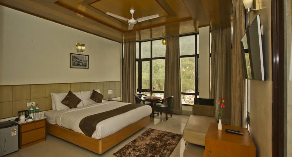 Broadways Inn Manali, Hadimba Road,