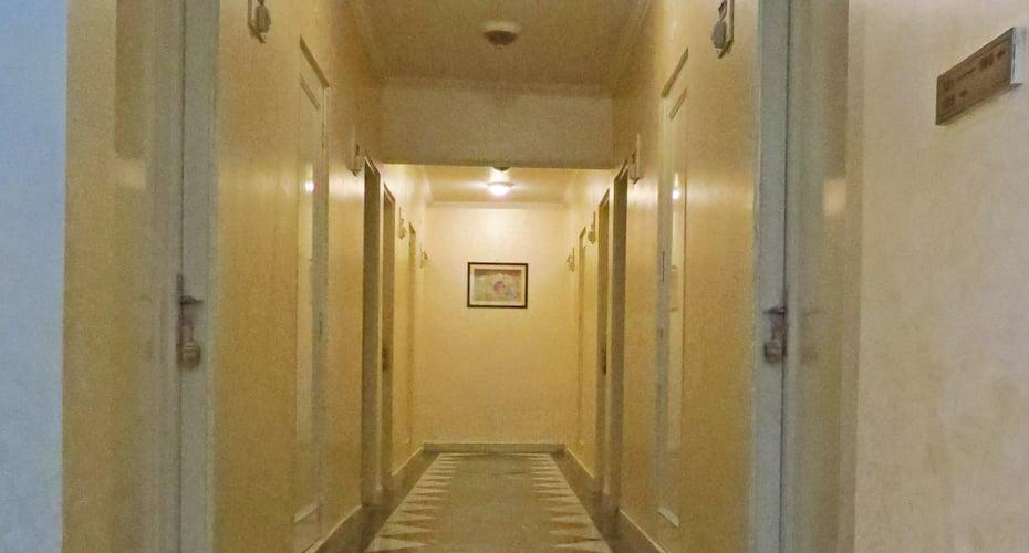 Hotel Rangoli, M I Road,