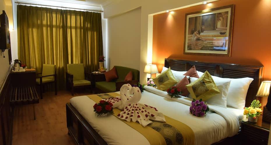 Hotel Baljees Regency, Circular Road,
