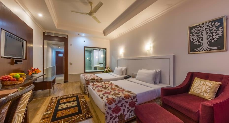 Hotel Hindusthan International, Bapuji Nagar,