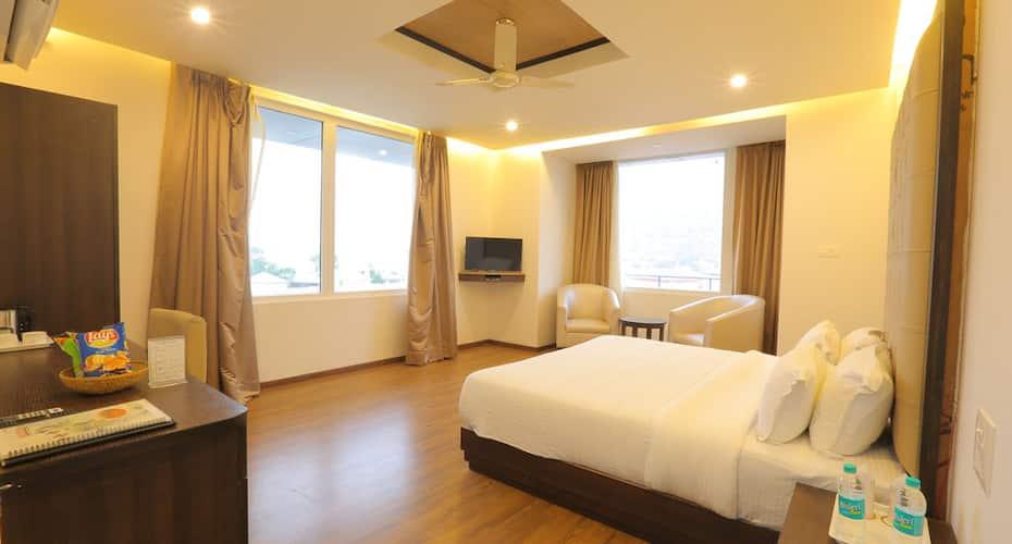 Hotel Vasundhra Palace, Muni Ki Reti,