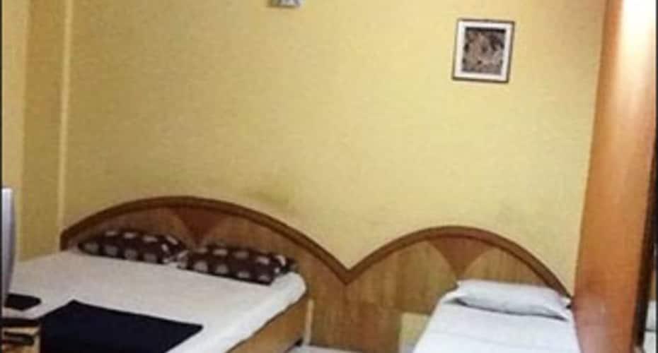 Sri Akshaya Deluxe Lodge, Rajaji Nagar,