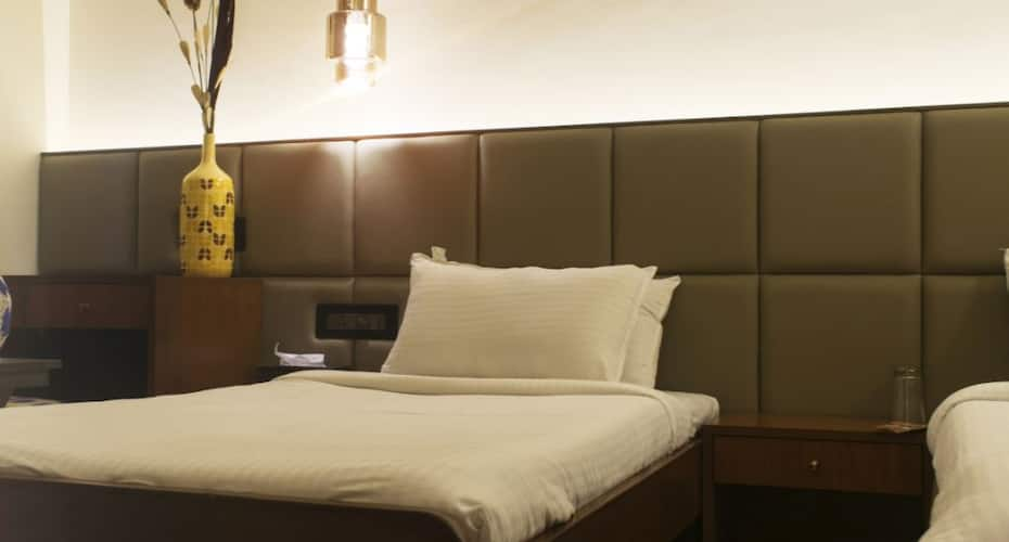 Hotel Cozy Inn, Koregaon Park,