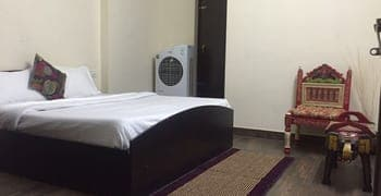 Le Pension Backpackers Hostel, Shyamnagar,