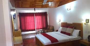 Hotel Highland, Log huts road,