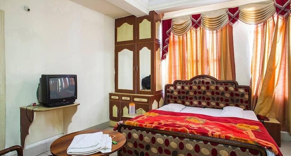 Hotel Sham, Main Bazar,