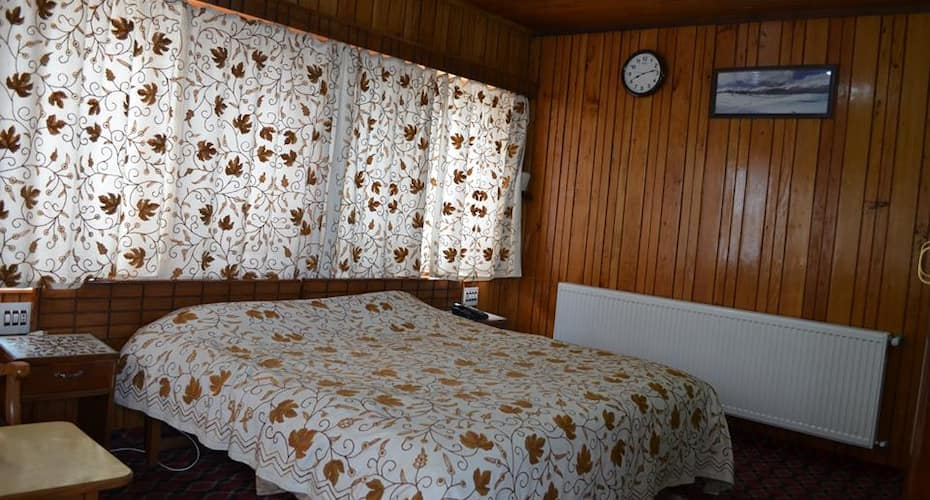 Hotel Affarwat, Main Town,