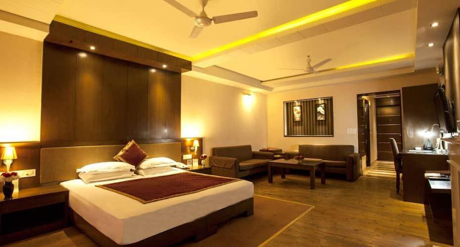 Flag House Resort, Kufri Chail Road,