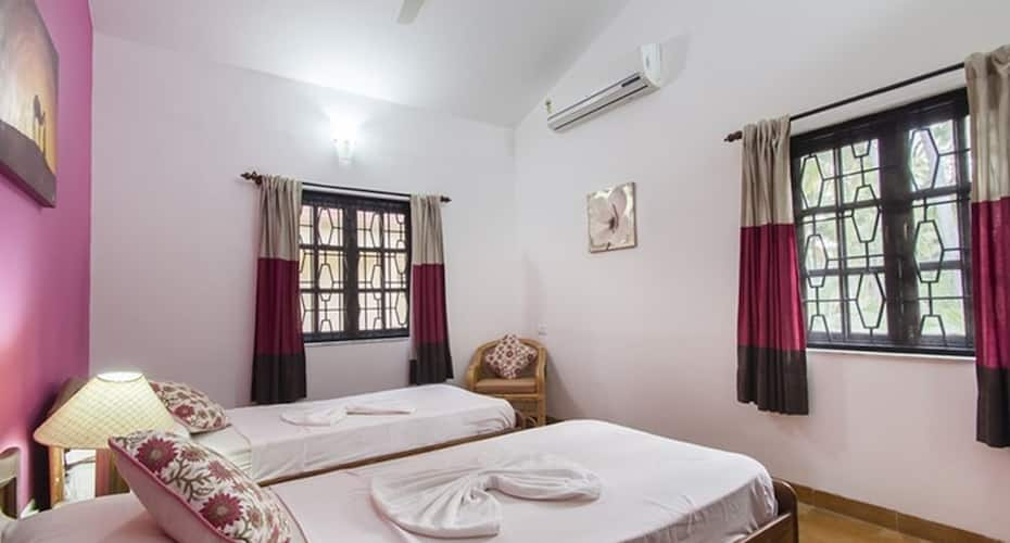 3BHK villa -- 2 min walk to Candolim beach -- PHASE7, Bardez,
