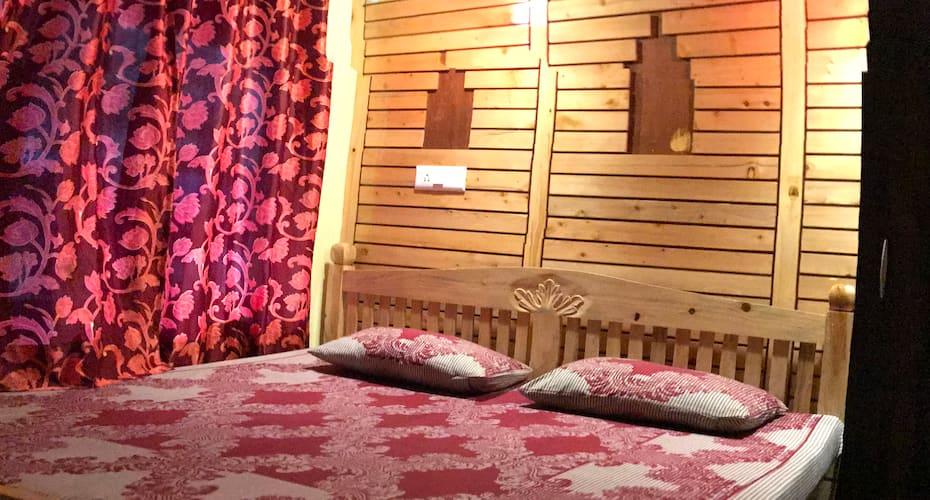 Hotel New Payal, Tallital,