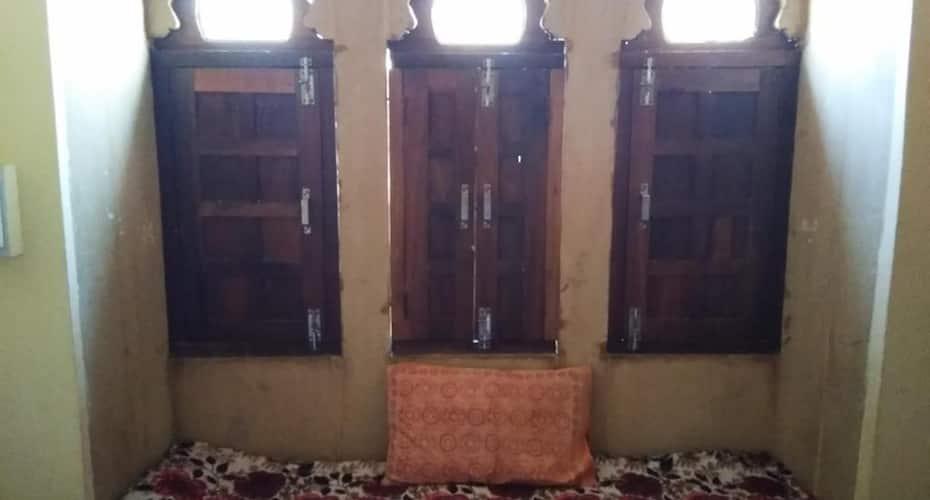 Mumtaz Guest House, none,