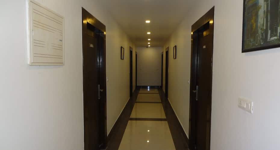 Hotel Kamakshi Residency By Royal Collection Hotels, Tapovan,
