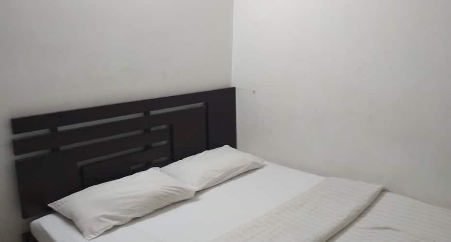 Hotel Naveen, Cottonpet,
