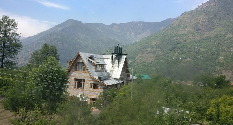 Manali Home, Kullu Naggar Road,