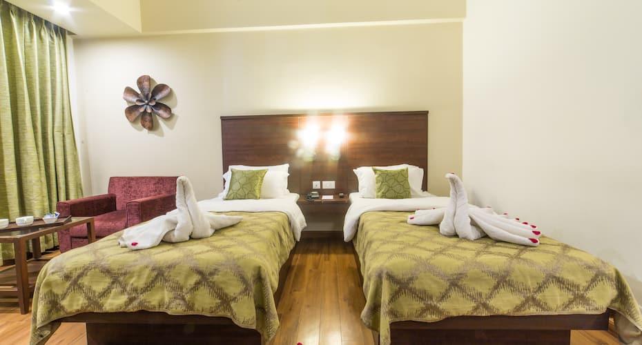Diamond Hotel, Bhelupura,