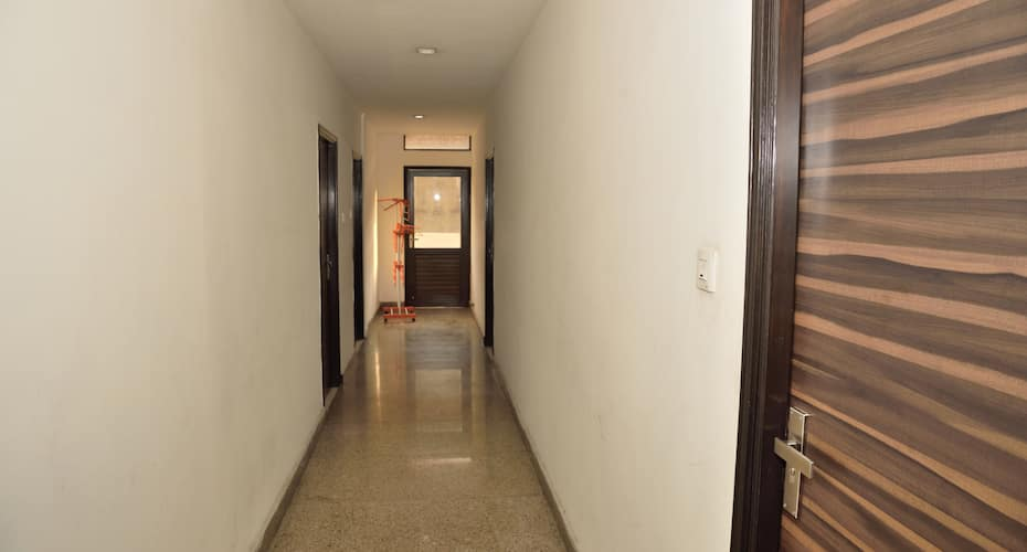 Hotel RC Regency, Mall Road,