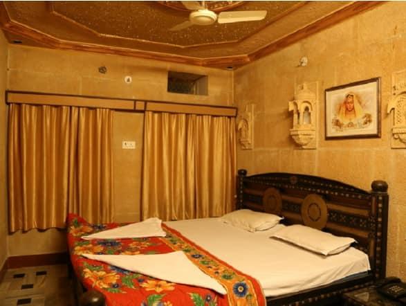 Hotel Haveli, Hanuman Circle,