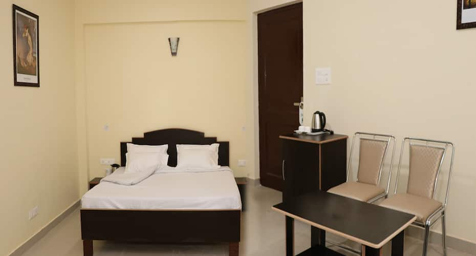 Hotel Ashiana Palampur, Lohna,